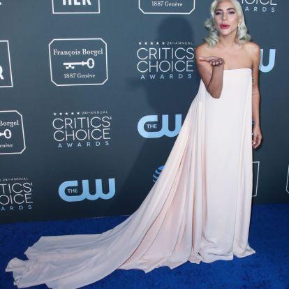 Lady Gaga show-val ünnepli a fronton dolgozókat