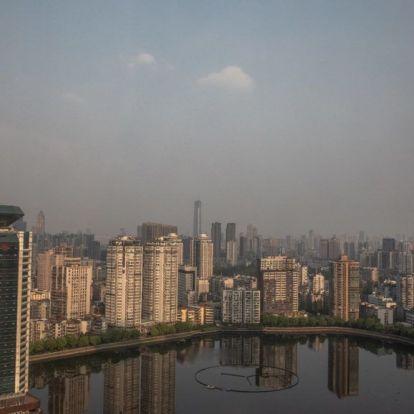Véget ért a vesztegzár a koronavírus kínai központjában