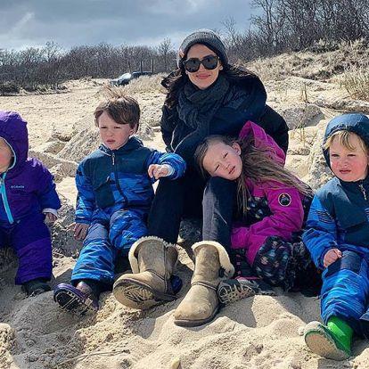 Hilaria Baldwin presume de curvas premamá tras anunciar que espera su quinto hijo
