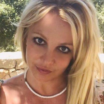 Upsz, Britney Spears két gyertyával porig égette az edzőtermét