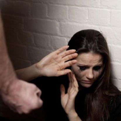 """Gyerekei szeme láttára pofozta fel a nőt a férje, a Nők Lapja """"több megértést"""" javasolt a feleségnek"""