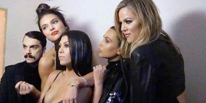 Las Kardashian apoyan a su 'hermano' Kirby Jenner en el estreno de su programa