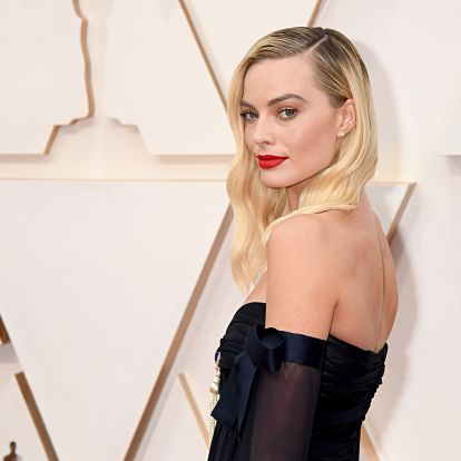 Margot Robbie's Burgundy Nail Polish Is The All-Season Shade You Need In Your Rotation