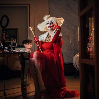 Az éjszaka túlsminkelt királynői: kik azok a drag queen-ek?