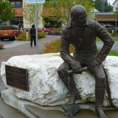 Orosz alapítvány venné meg a New York-i Roosevelt és az alaszkai Baranov-szobrot
