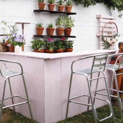 Így lesz az ágykeretből kerti bár