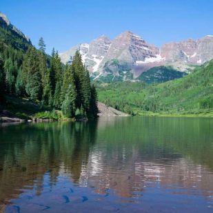 Zöldre festi a hegyi tavakat a klímaváltozás az USA-ban