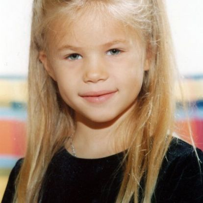 Stohl András lánya, Stohl Rebeka csodaszép nővé érett – tiszta anyja ezen a képen