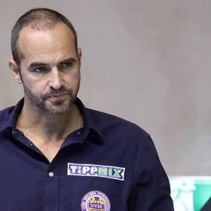 Az UVSE-nél Benedek Tiborra emlékeznek az új címerrel – KÉP