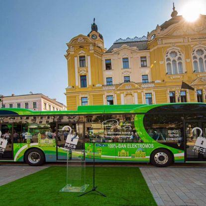 Átadták Pécs új elektromos autóbuszait