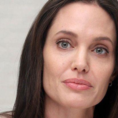 Angelina Jolie a gyerekein keresztül kémkedik Brad Pitt és új barátnője után?