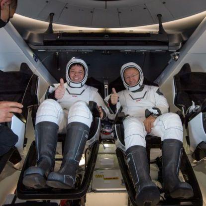 Landolás után telefonbetyárkodtak a NASA űrhajósai