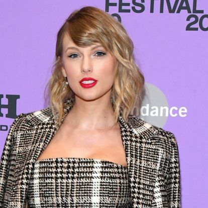 Taylor Swift kardigánja az év legmenőbb ruhadarabja