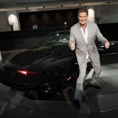 A beszélő autó visszatér: mozifilm készül a Knight Riderből