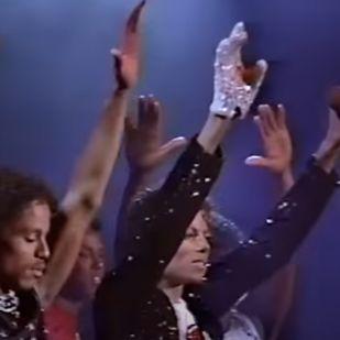 Piszok drágán cserélt gazdát Michael Jackson kesztyűje