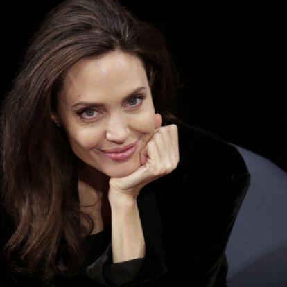 Angelina Jolie ya tiene el bolso que obsesiona a las celebrities