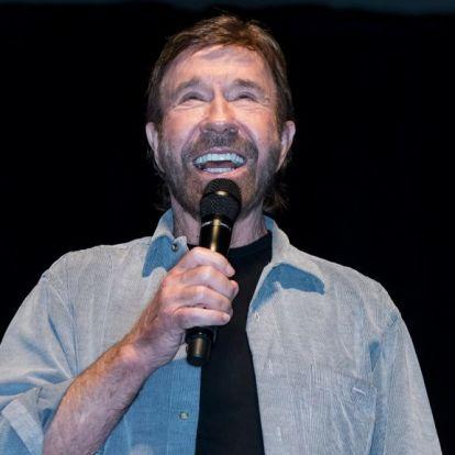 Chuck Norris videoüzenetet küldött Lukasenkának