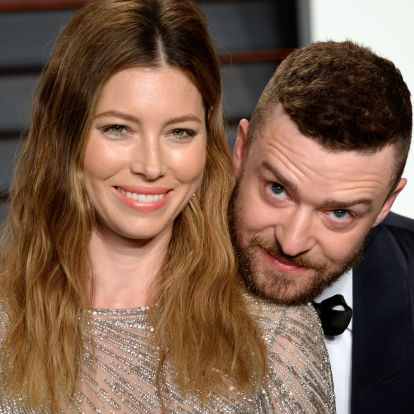 Nem elég, hogy kiderült, tilosban jártak, ezek a hírességek még nyilvánosan is bocsánatot kértek párjaiktól