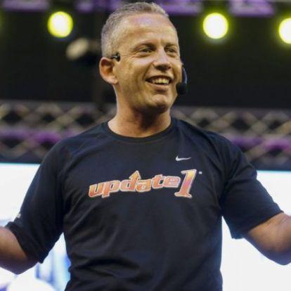 Becsajoztatja 270 kilós pártfogoltját Schobert Norbi