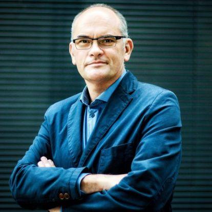 Gundel Takács Gábor vezeti a Televíziós Újságírók Díja gálaestjét