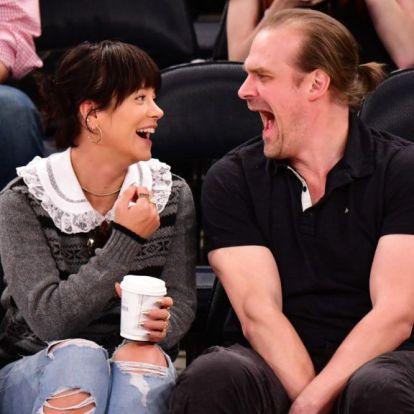 Nagyon úgy tűnik, hogy Lily Allen és David Harbour Las Vegasban házasodnak