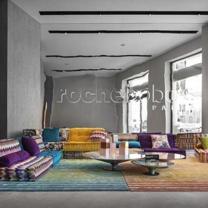 Megnyitotta első budapesti üzletét a Roche Bobois