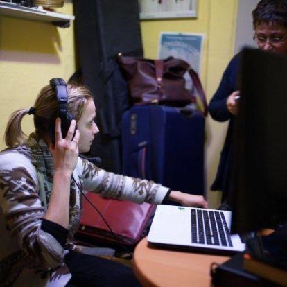"""Végre a vakok is """"láthatják"""", mi történik Pajkaszegen – elindul az audionarráció az RTL Klubon"""