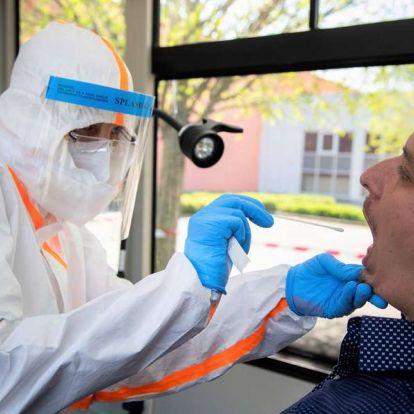 Hatan meghaltak, 809 újabb fertőzöttet azonosítottak