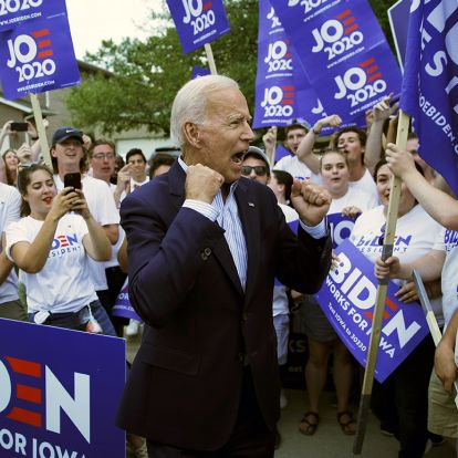 Poll: Trump and Biden deadlocked in Iowa