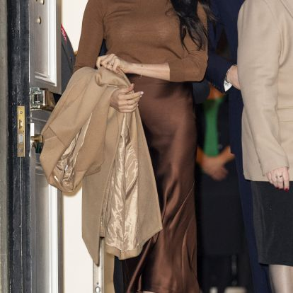 Meghan Markle's Brown Button-Down Is The Perfect Fall WFH Top