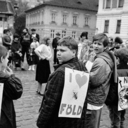 A köztársaság ünnepétől a teljes depresszióig: így változott Budapest 30 év alatt