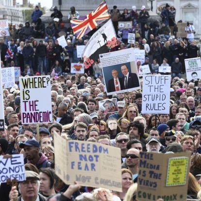 Tusenvis demonstrerer mot smitteverntiltak i London