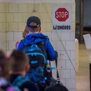 37,8 fok felett kell hazaküldeni a gyereket iskolából