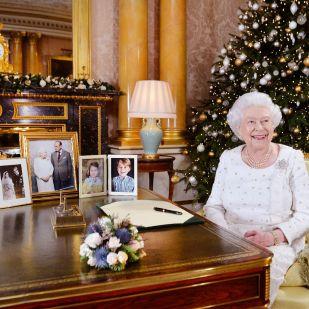 Erzsébet királynő tajtékzik, amiért alkalmazottai lázadoznak