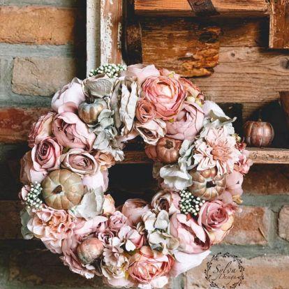 Sylvia Design, színharmóniák. Őszi ajtódíszek, asztali dekorációk, virág- és ajándékdobozok tehetséges magyar dekoratőrtől
