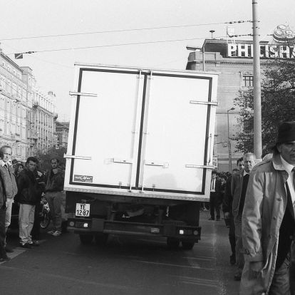 Harminc éve tört ki a taxisblokád, mert 56 forint lett a benzin