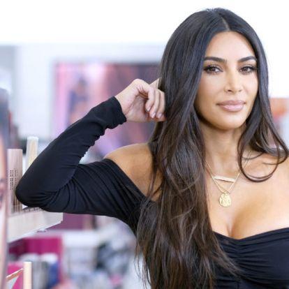 Kim Kardashian magánszigeten megünnepelt születésnapja szépen mémesedett