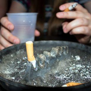 Dohányosok, figyelem: erre készül Lázár János