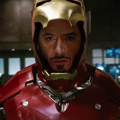 Egy fotó arról, amikor Robert Downey Jr. először próbálta fel Vasember sisakját – mi pedig most már mindent értünk