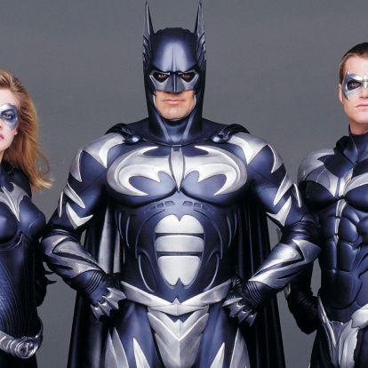 Nem, George Clooney-t nem hívták fel, hogy öltse magára ismét mellbimbós Batman-kosztümjét a készülő Flash-moziban