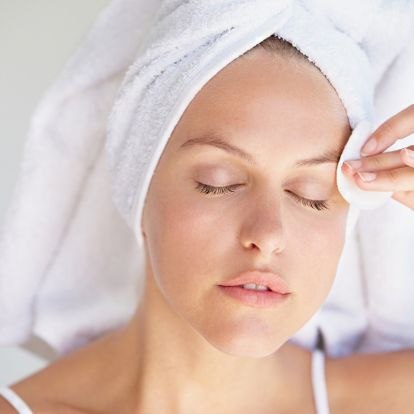 Így kezeld a kényes, kombinált bőrt télen: ezek a hatóanyagok tényleg beválnak