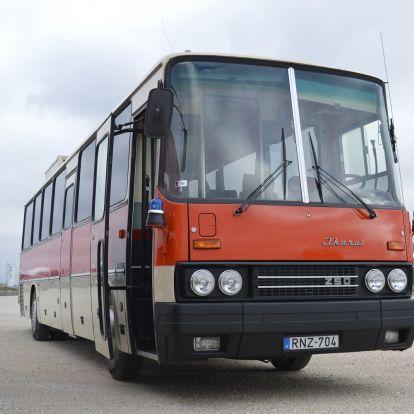 Egy busz, amin még Göncz Árpád is utazott