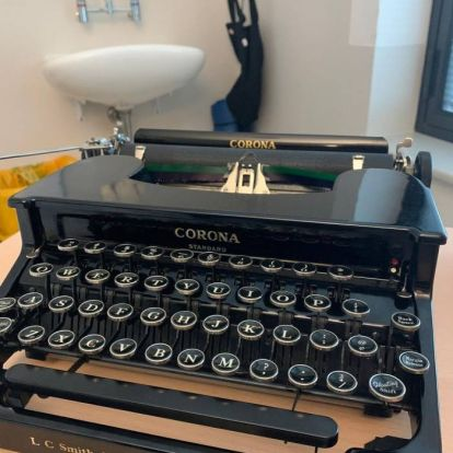 Vintage typewriters: the poetic allure of the 'alphabet piano'