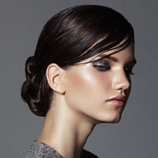 Pár perc alatt elkészíthető frizurák, amelyek felerősítik a nőiességet: nem kell hozzájuk profi fodrásznak lenni