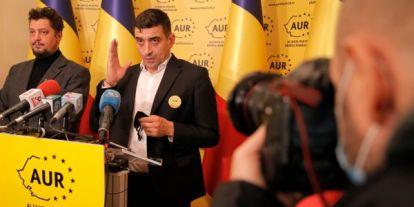 A 12 év után visszatérő román szélsőjobb megint rámegy a magyarokra