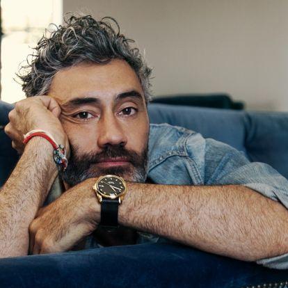 45 éves a csupaszív filmes, aki hülyét csinált mindenkiből - A Taika Waititi-portré