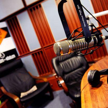 Mi történt? A Klubrádión kívül mindenkit kizárt a Médiatanács a 92,9 MHz-ért folyó versenyből