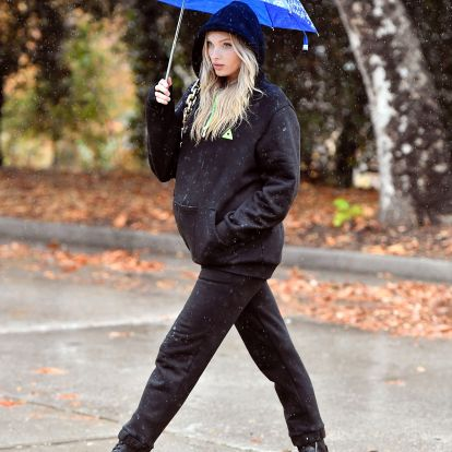 Elsa Hosk's Black Sweats Outfit Is A Lesson In High-Low Dressing