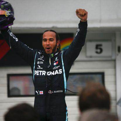 Hivatalos: Lovaggá ütik Lewis Hamiltont