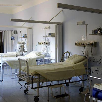 Megszabadult védőfelszerelésétől a nővér, hogy szexelhessen egy koronavírusos beteggel